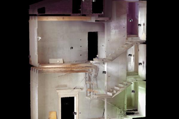 Ristrutturazione scala interna di una villa